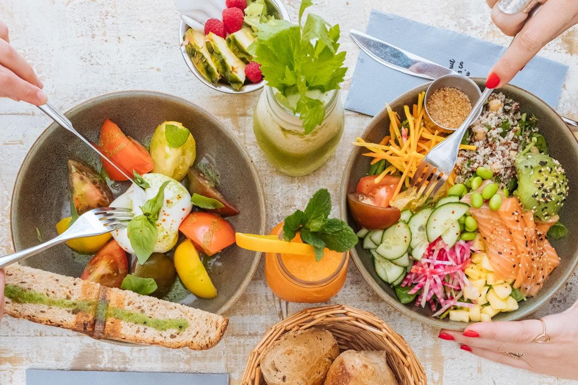 https://www.leparadisdufruit.fr/wp-content/uploads/2020/06/La-vie-est-belle-en-salades.jpg